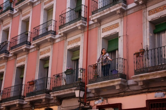 Rebrota_Malasaña_balcones_plantas_madrid_rojomenta_2